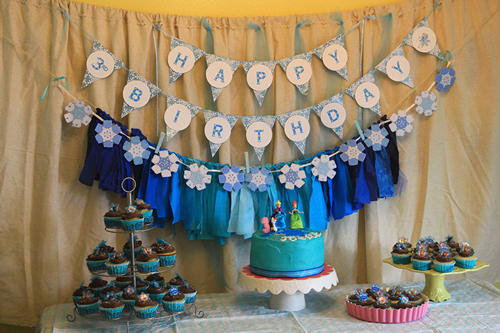 the Craft Shack - Frozen birthday setup